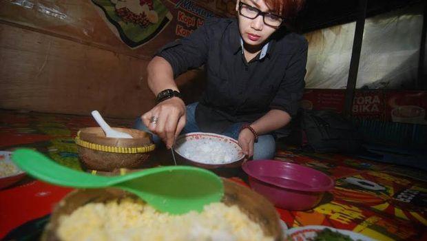Desa Sendi terkenal dengan nasi jagungnya
