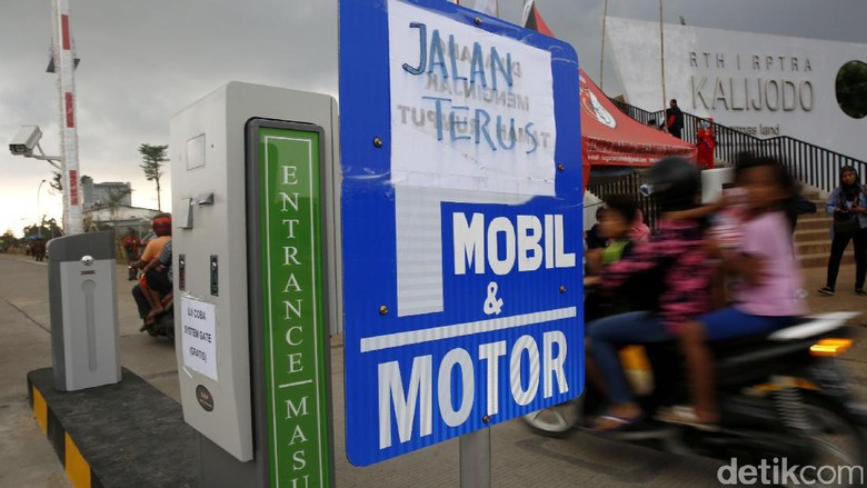 Ujicoba Sistem Gate, Parkir di Kalijodo Masih Gratis