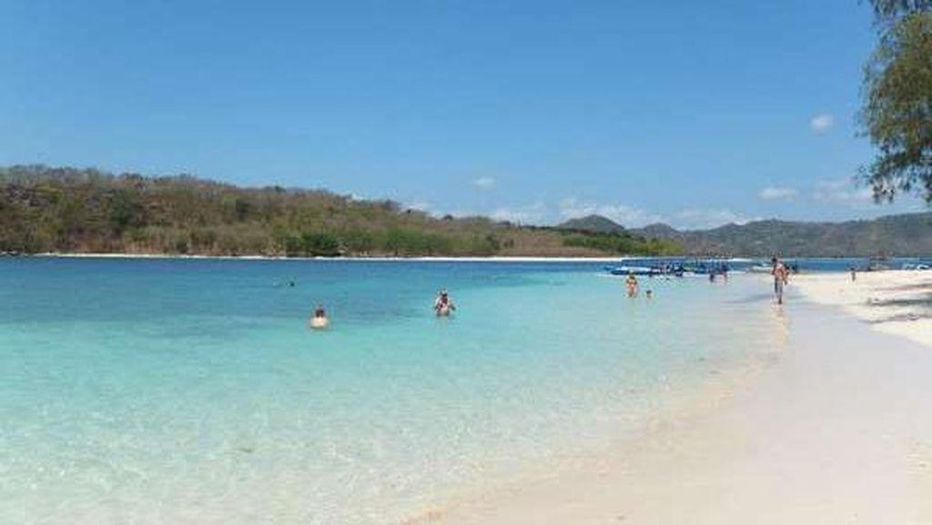 Gili Nanggu, Pulau Cantik di Lombok Tempat Liburan Wulan Guritno