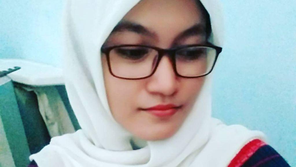 Kisah Guru Cantik Berhijab di Sumba, Jalan 4 Jam Hingga Tak Ada Air