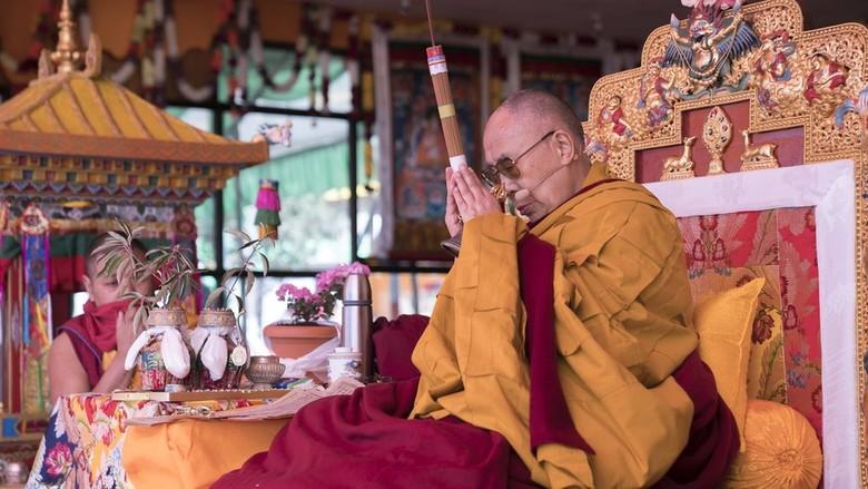 Sejumlah Pejabat Partai China Dituduh Menyumbang ke Dalai Lama