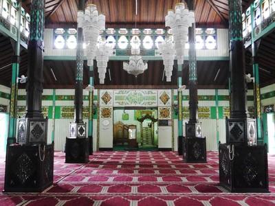 Masjid Berusia Ratusan Tahun dari Kayu Ulin di Banjarmasin