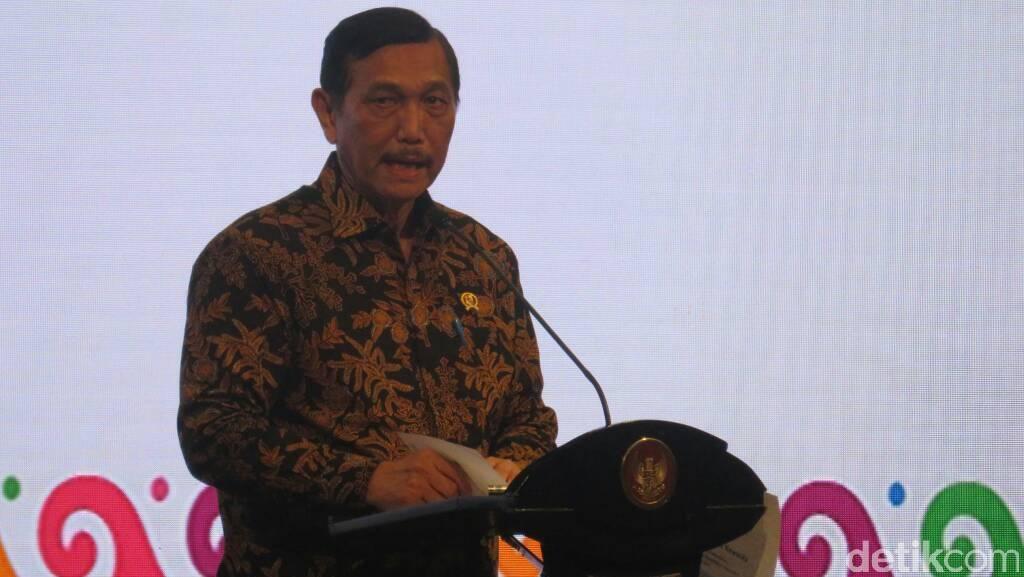 Luhut Gelar Rapat Tanggul Laut dan Reklamasi Teluk Jakarta