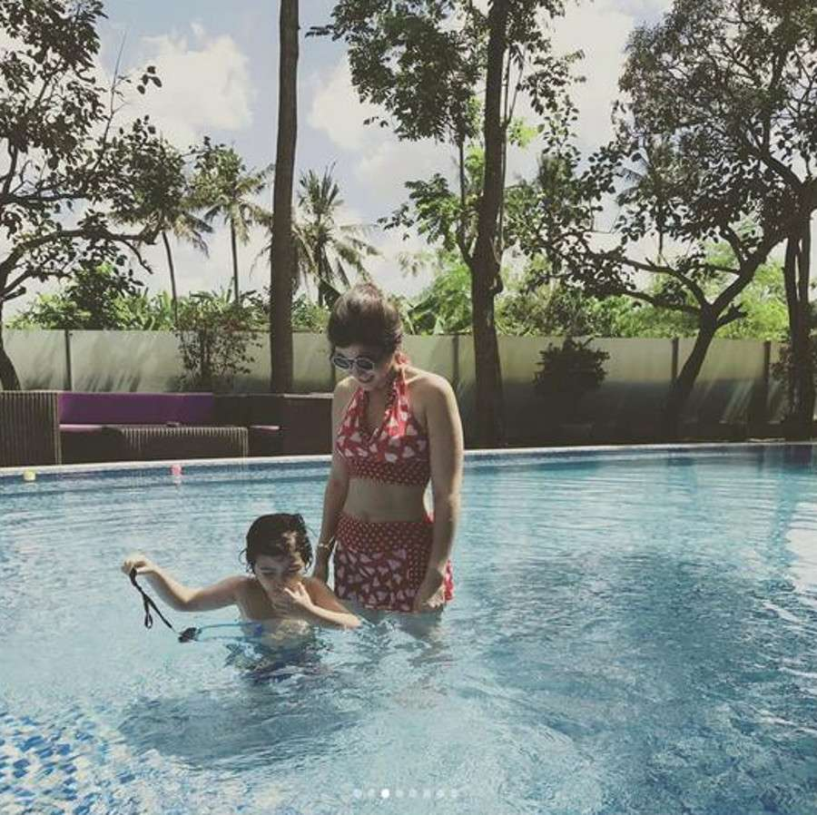 Carissa Putri Basah-basahan di Bali,  Aura Kasih Bikin Jatuh Hati