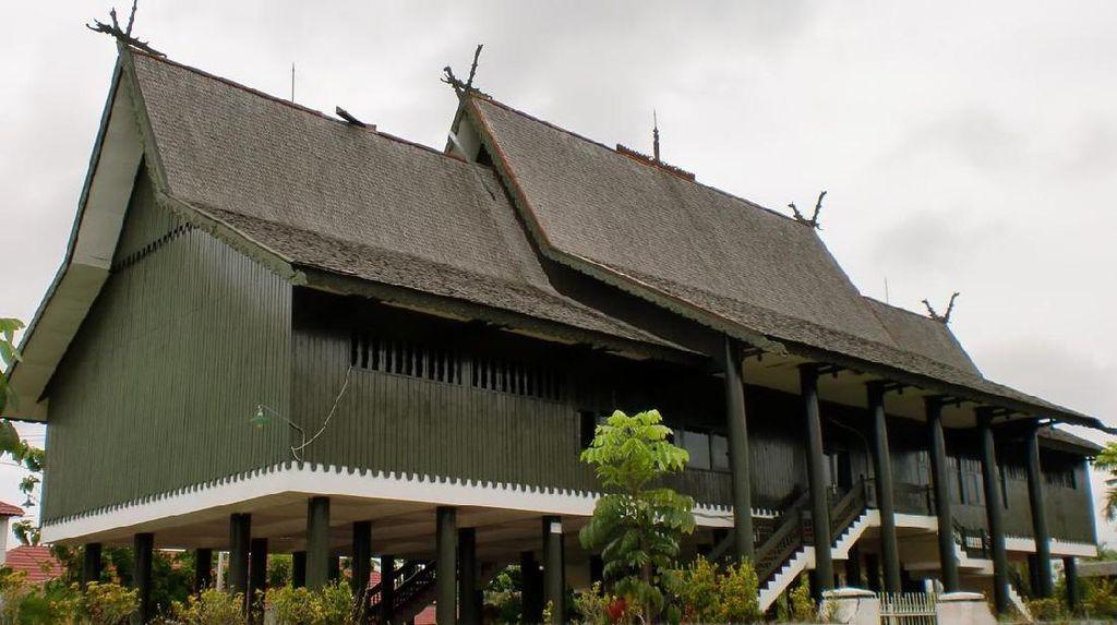 Melihat Rumah Betang, Simbol Bumi Pancasila Kalimantan Tengah