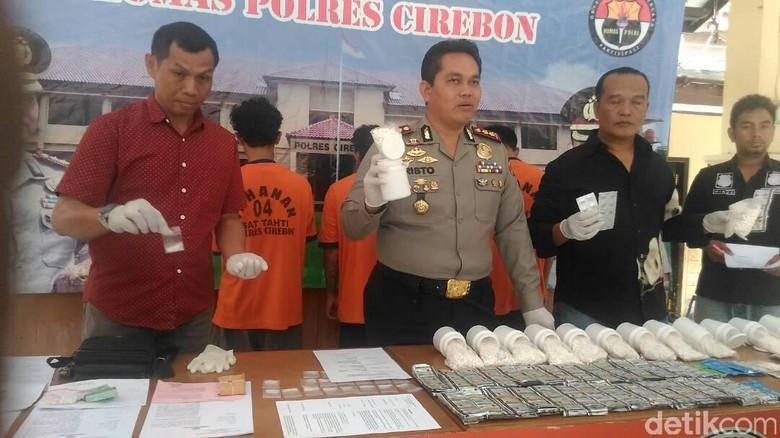 Polres Cirebon Ringkus Kawanan Pengedar Obat Penenang