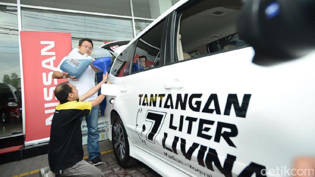 Modal 7 Liter Bensin, Mampukah Grand Livina Tempuh 137 Km?