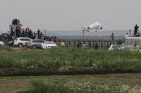 Euforia Warga China Pesawat Terbang Perdananya Mengudara