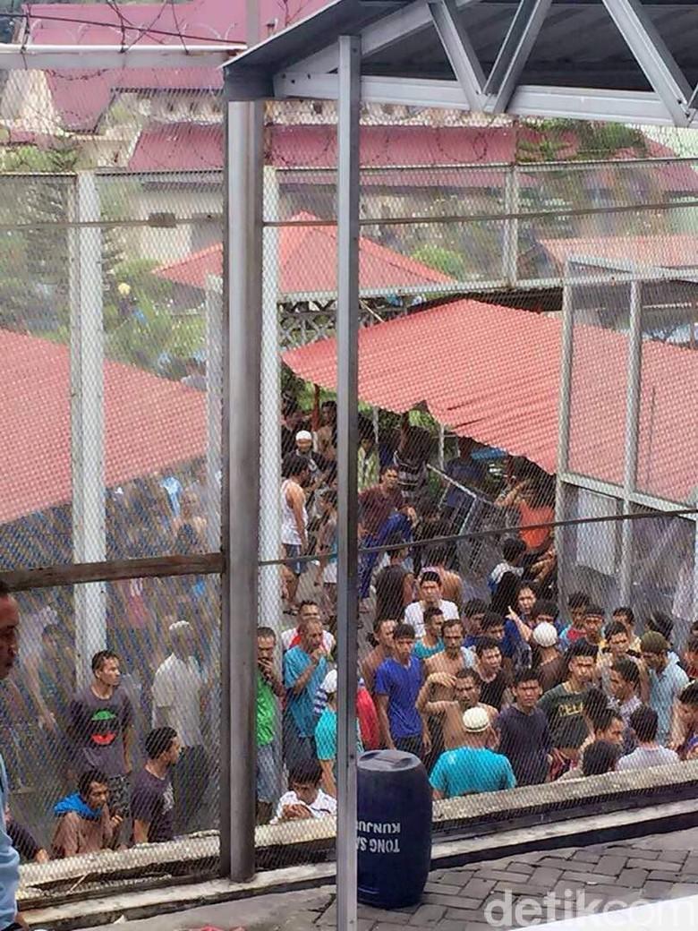 Penampakan Kericuhan di Dalam Rutan Sebelum Ratusan Tahanan Kabur