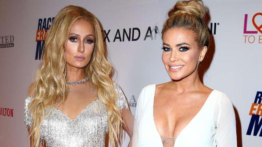 Adu Seksi Paris Hilton dan Carmen Electra
