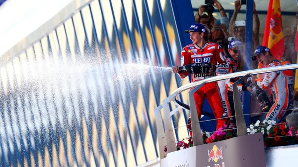 Podium Tiga yang Terasa bak Sebuah Kemenangan untuk Lorenzo