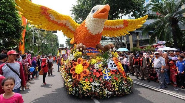 Parade Budaya dan Bunga di Surabaya, Risma Punya Pesan Khusus