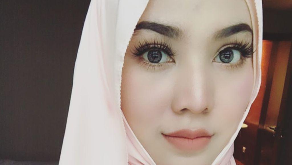Foto: Hijab Ala Shila Amzah, Hijabers Cantik yang Viral karena Lagu K-Pop