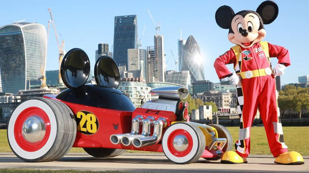 Lucunya Mobil Buat Mickey Mouse