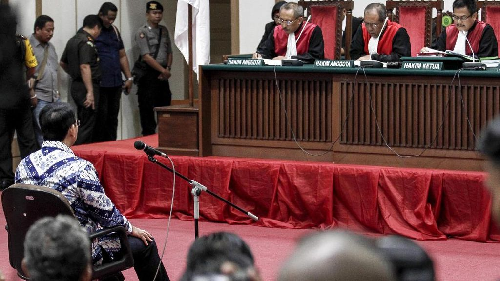 Ahok Divonis 2 Tahun Penjara, Netizen Langsung Gaduh