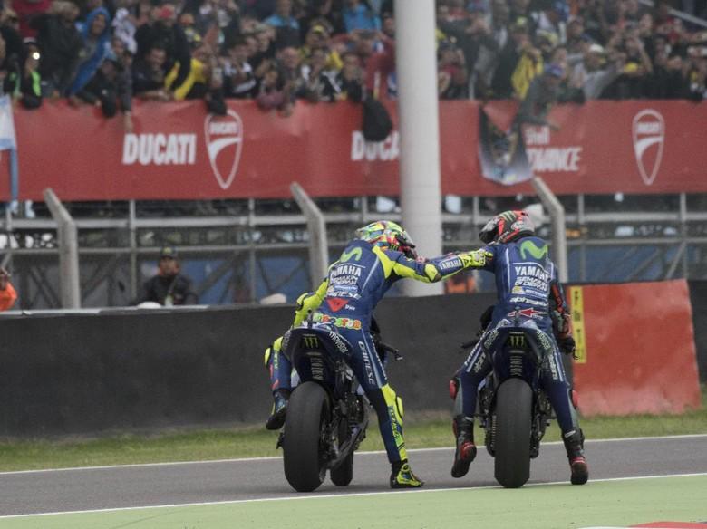 Rossi dan Vinales Beda Pendapat Soal Sasis Baru Yamaha