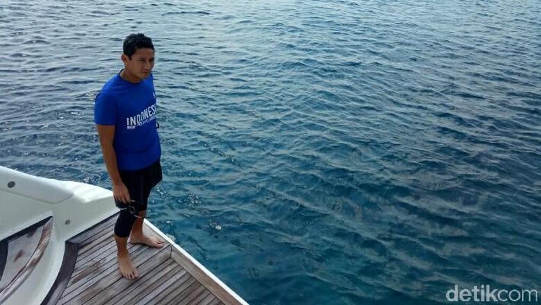 Warga Kepulauan Seribu Sewa Kapal - Jakarta Warga Kepulauan Seribu mengeluhkan soal ketiadaan alat transportasi untuk membawa jenazah ke tempat Karena keterbatasan warga setempat