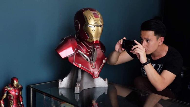 Billy Davidson Rogoh Kocek Puluhan Juta Koleksi Action Figure Iron Man