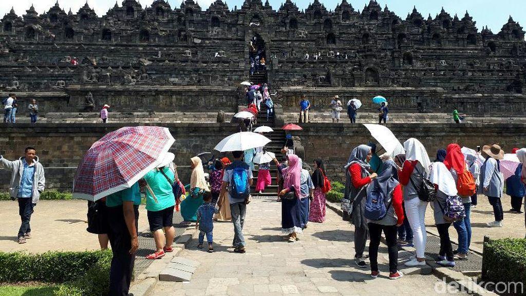 Ramai-ramai Liburan Ke Borobudur Saat Libur Waisak