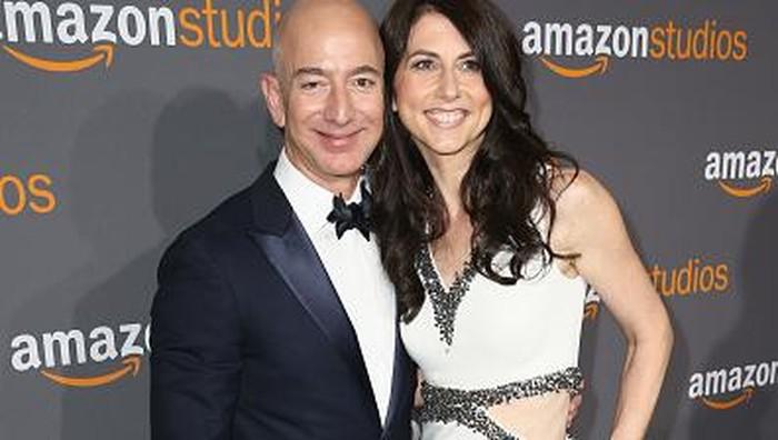 Jeff Bezos dan istrinya. Foto: Getty Images