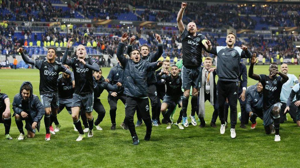 Mourinho Pertanyakan Keberadaan Ajax di Liga Europa