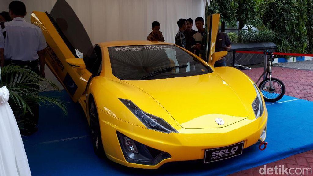 Kembalinya Pembuat Mobil Listrik Sport Selo dan  Bertemu Jokowi