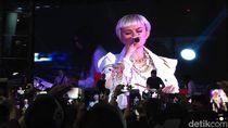 Agnez Mo Ramaikan Penjualan Vivo di Bandung