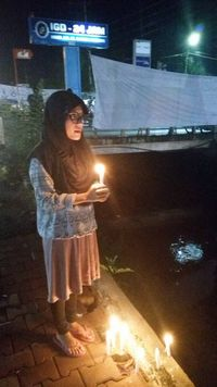 Aksi menyalakan lilin sendirian untuk Ahok yang viral di medsos
