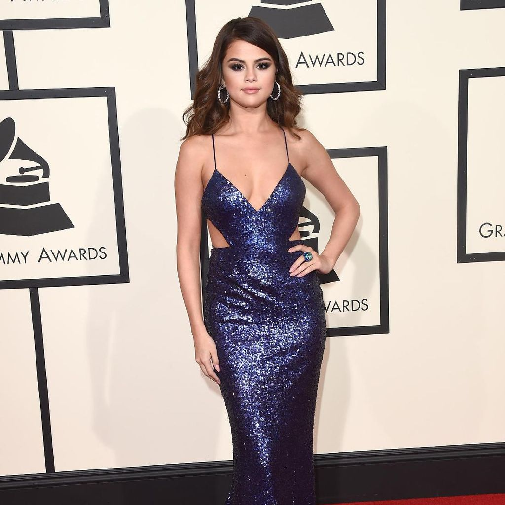 Selena Gomez dan Marshmello Bertemu dalam Wolves