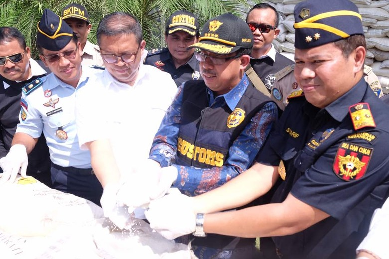 Penyelundupan 63,8 Ton Amonium Nitrat di Laut Bali Digagalkan
