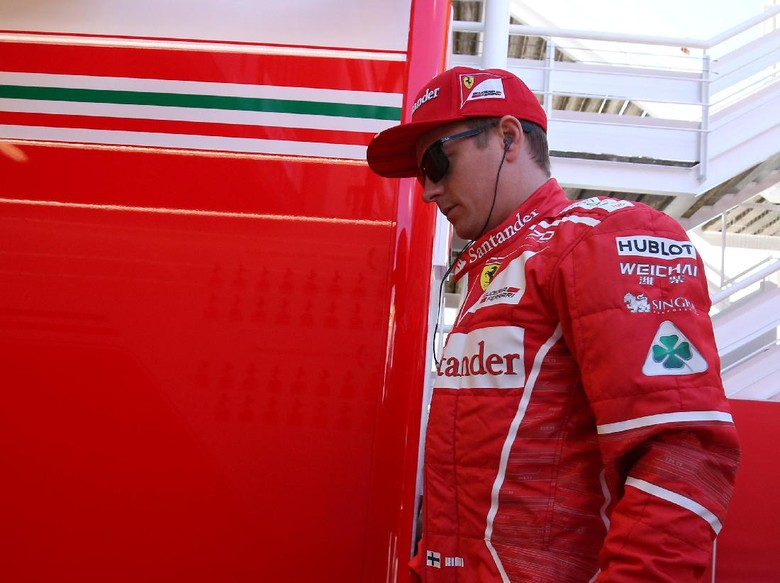 Tangisan Pendukung Cilik Ferrari Berbuah Pertemuan dengan Raikkonen