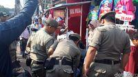 PKL Tanah Abang Diamankan Petugas Satpol PP