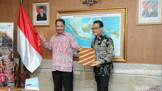 Priyantono Rudito: dari Industri Pulsa, Berlabuh ke Pariwisata
