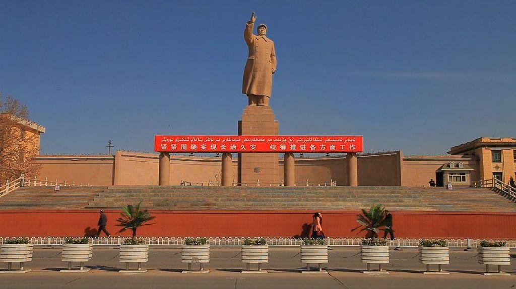 Jalur Sutra dan Geliat Muslim Uighur di Xinjiang