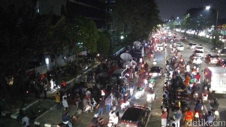Usai Berorasi di PT DKI, Massa Pro-Ahok Bubarkan Diri