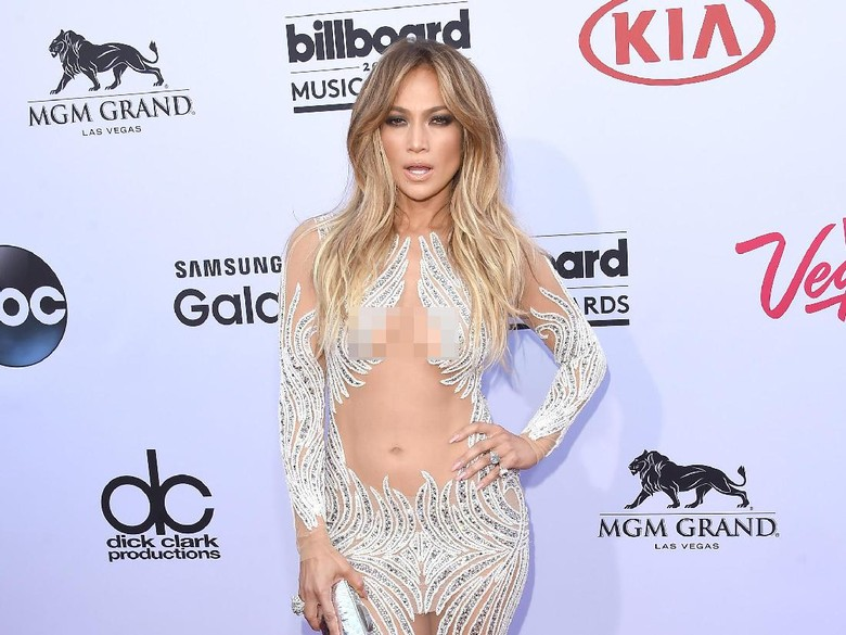 Jennifer Lopez Tampil Tanpa Busana di Depan Mantan Suami