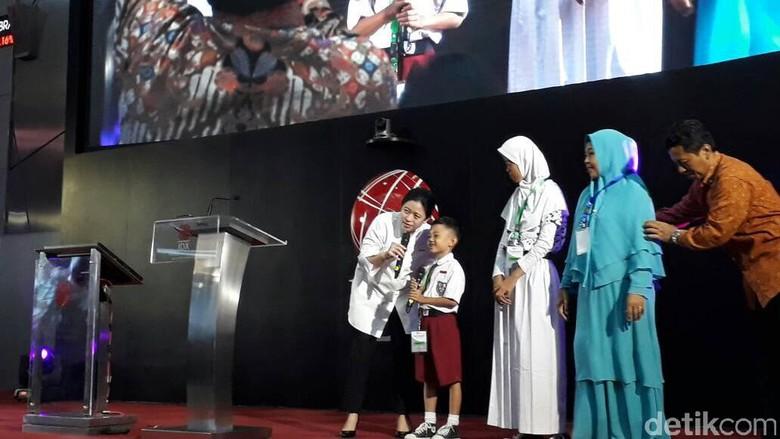 Puan Beri Kuis ke Anak SD Sampai Ibu-Ibu Pengajian di BEI