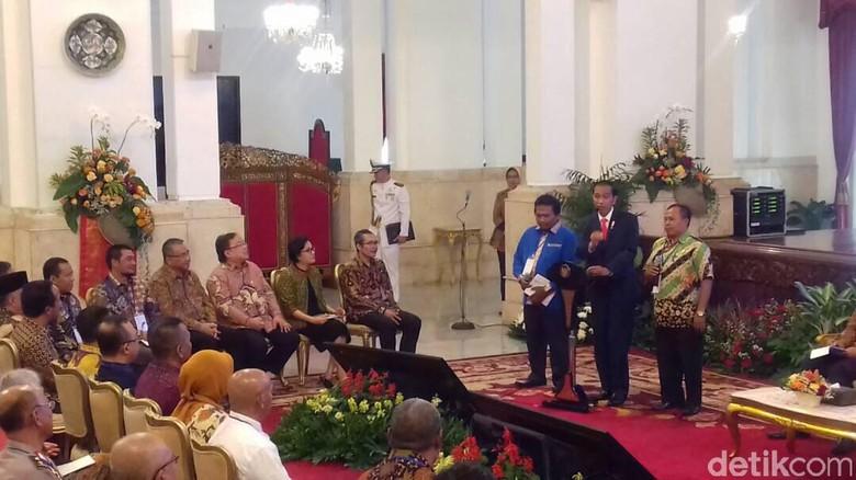Jokowi ke Para Kades: Saya akan Bawa KPK Cek Keuangan Desa