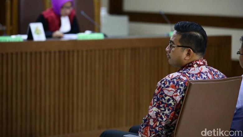 Brotoseno Dituntut 7 Tahun Penjara