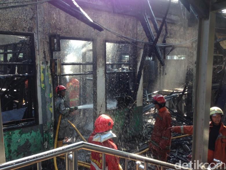 Kebakaran di Stasiun Klender Padam, Kantor dan Loket Hangus