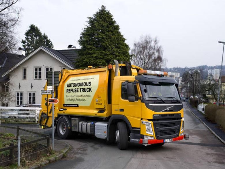 Truk Sampah Ini Dibekali Teknologi Otonom