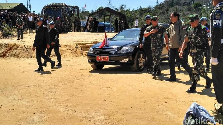 Presiden Jokowi dan Panglima Hadiri Latihan PPRC TNI di Natuna