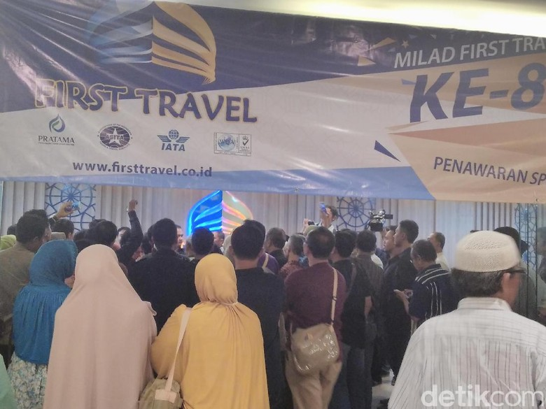 Tak Ada Kepastian, Berikut Jeritan Calon Jamaah Umrah First Travel
