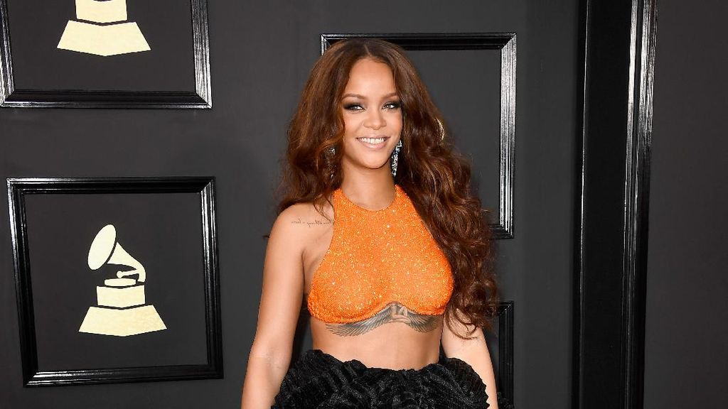 Work, Work, Work! Supaya Bisa Beli Rumah Mewah Ini Seperti Rihanna