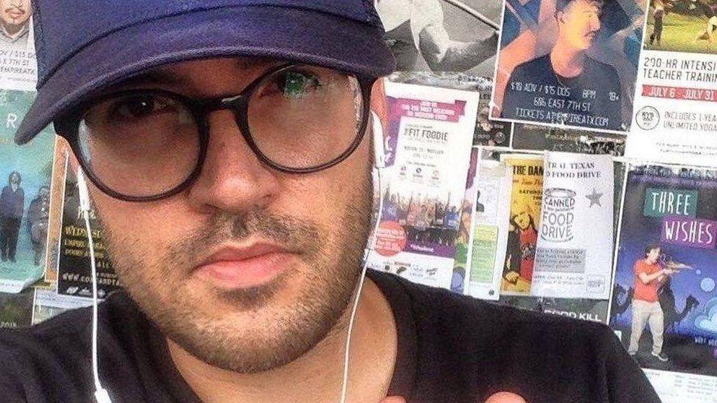 Pria AS Gugat Perempuan yang Kirim Pesan Saat Kencan Nonton Film