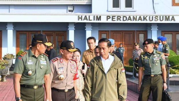 Presiden Jokowi akan menyaksikan latihan perang Pasukan Pemukul Reaksi Cepat TNI Tahun 2017.