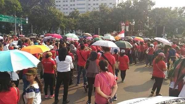 Peringati Harkitnas, Massa Gelar Aksi di Taman Pandang Istana