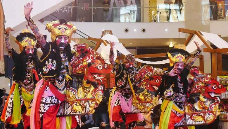 Jaranan Buto di Pavilion Kuala Lumpur, Malaysia (Kurnia/detikTravel)