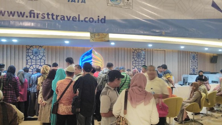 OJK Hentikan Operasional First Travel