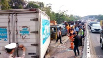 1 Orang Terluka Akibat Tabrakan Beruntun di Tol Purbaleunyi